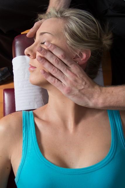 Manipolazione spinale cervicale